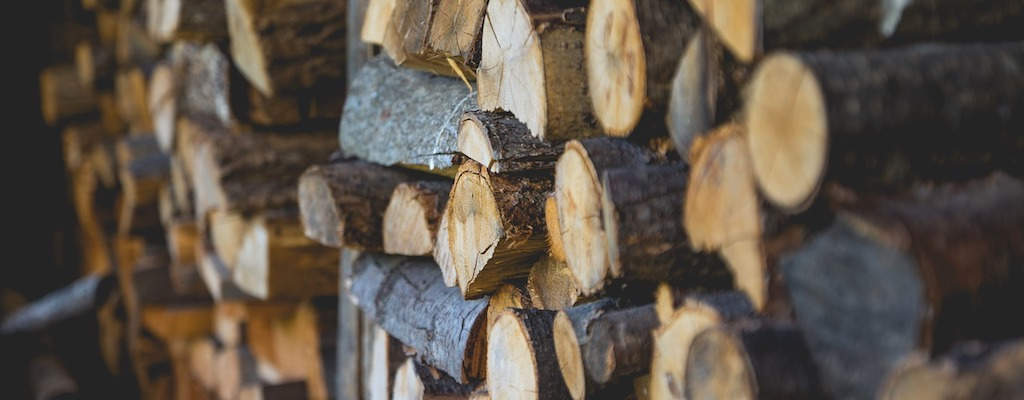 firewood-1867325_1280